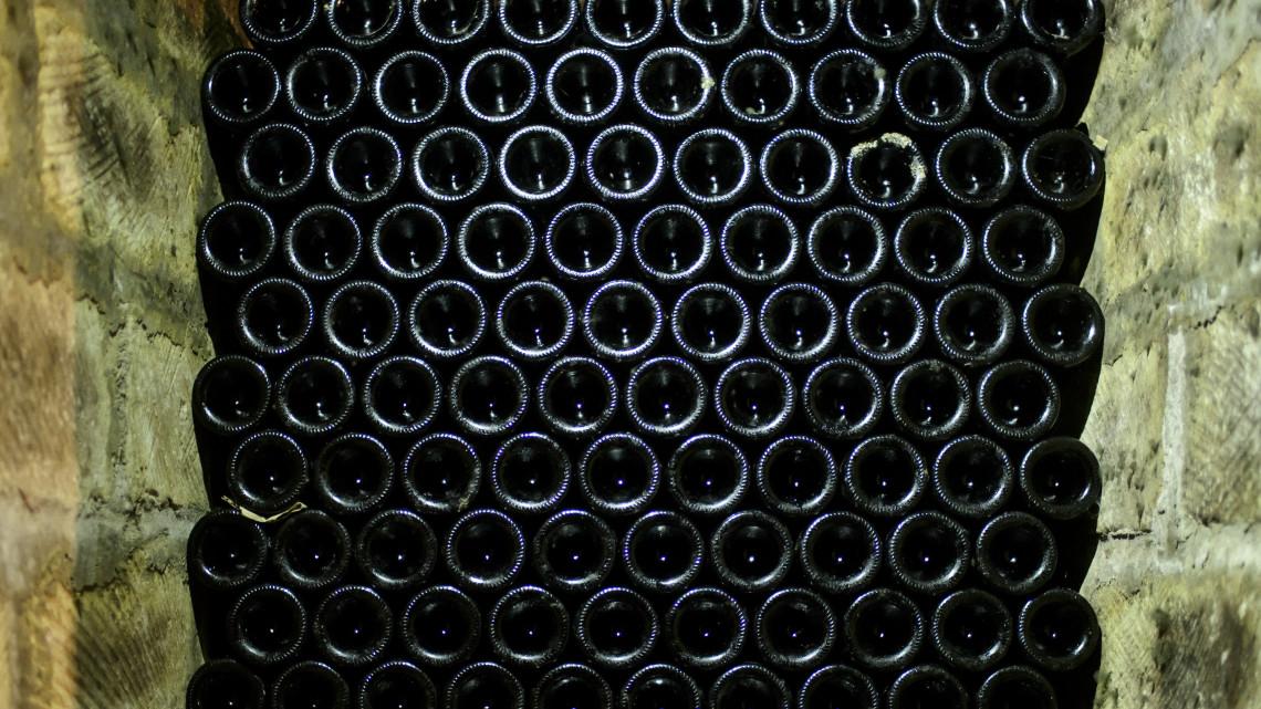 Elkészült: így néz ki az egri borvidék egységes borospalackja