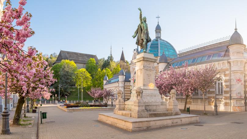 Kultúradömping Borsodban: világsztárokkal erősít Miskolc