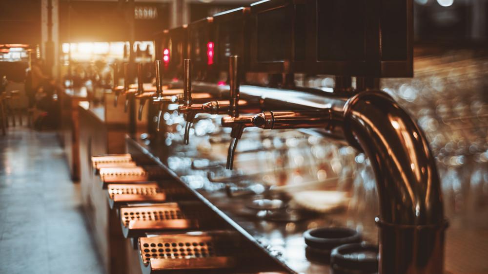 Kávés, szőlős, csillogó sör? Ezek lesznek a nyár új slágertermékei