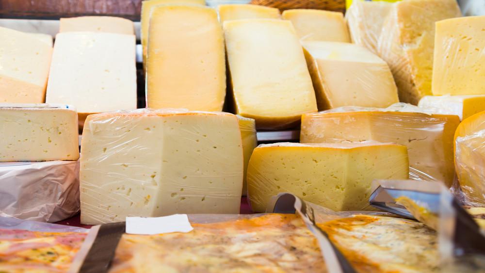 Íme, a magyar sajt, ami még a francia boltokban is kapható