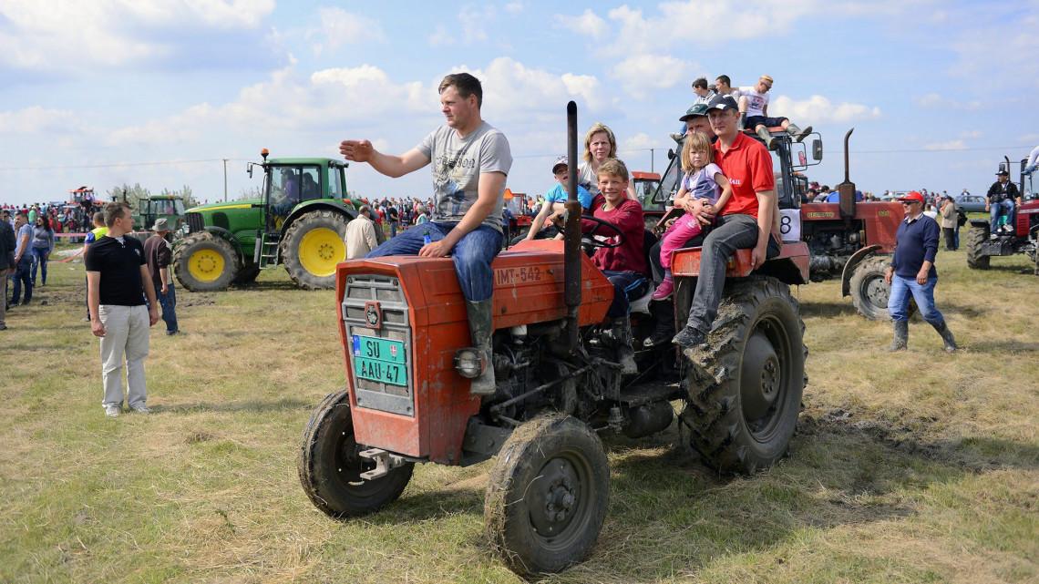 Szakmakóstoló gyerekeknek: a diákok megismerkedhetnek az agráriummal