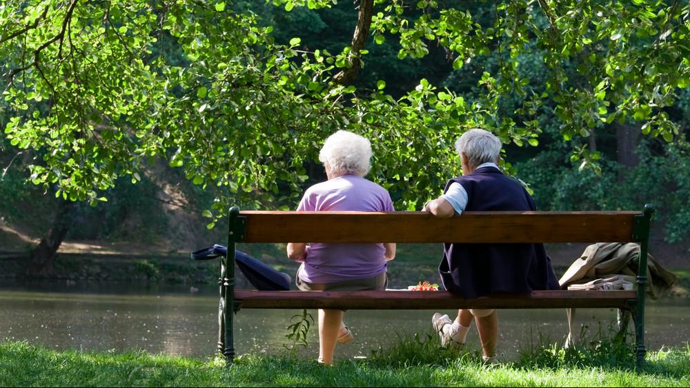 Vége az olcsó üdülésnek: ekkora nyugdíjemelést javasolnak helyette