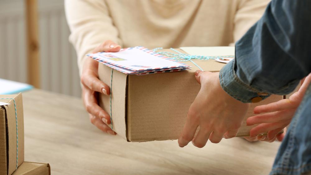 Így változik a postai díjszabás: mutatjuk, mire figyelj  július elsejétől