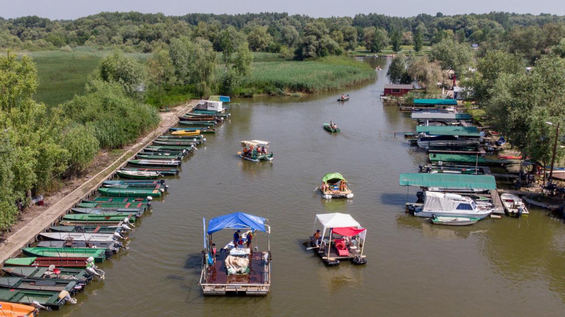 Szemétszedésért ingyenes kenu bérlés: egyedülálló kezdeményezés a Tisza-tónál