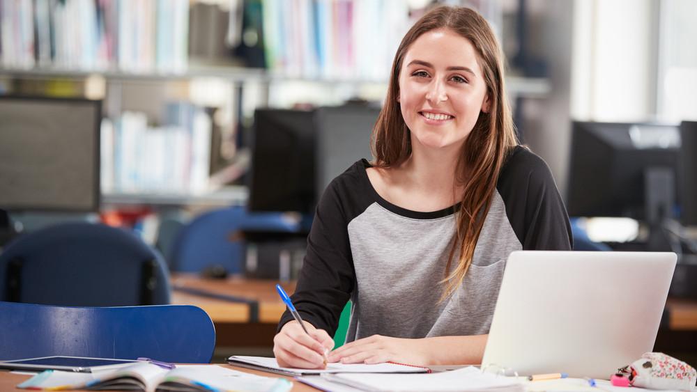 A vendéglátás a múlté: rengeteg diák vállal irodai munkát nyáron
