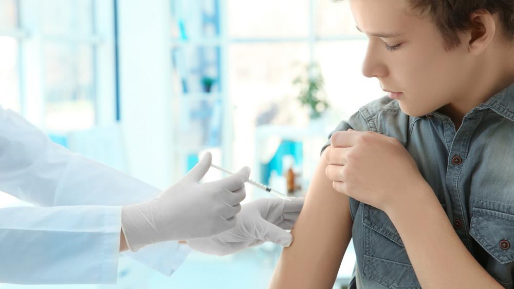 Fontos változás: már nem csak a lányoknak kellhet a HPV-oltás