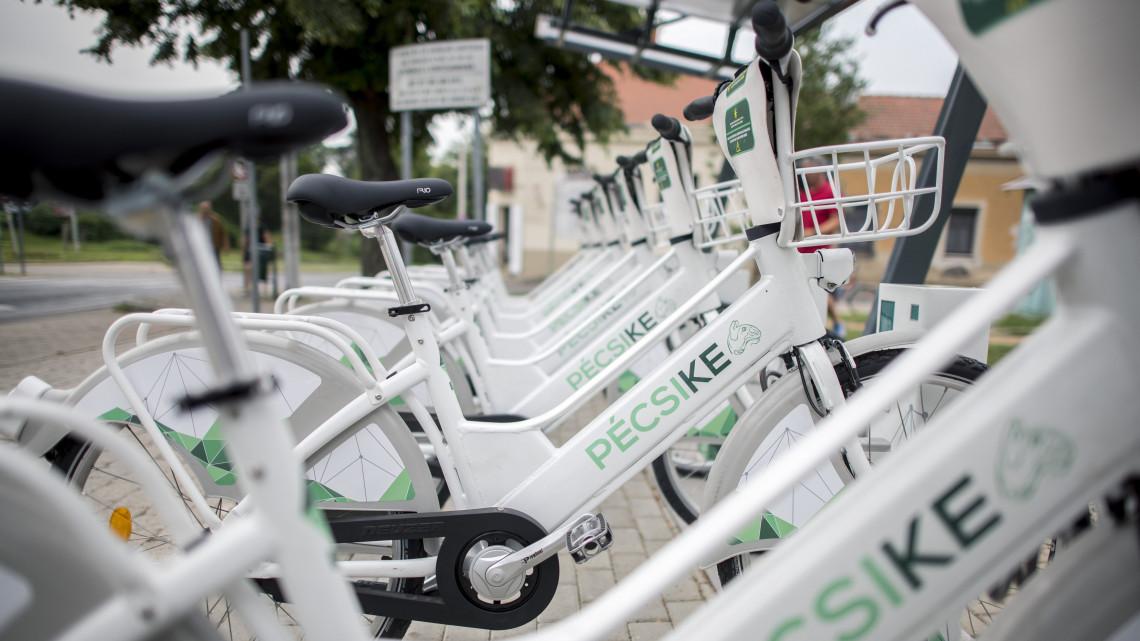 Új kerékpárrendszer Pécsett: pattanj biciklire a parkolóban!