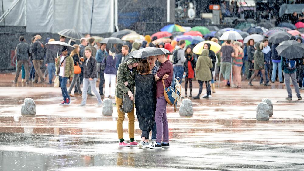 Lecsapott a vihar a vidéki fesztiválra: pánik tört ki a tömegben