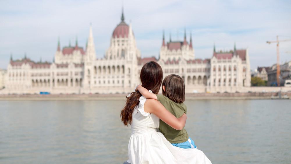 Itt vannak a friss számok: szédületes tempóban fogy a magyar