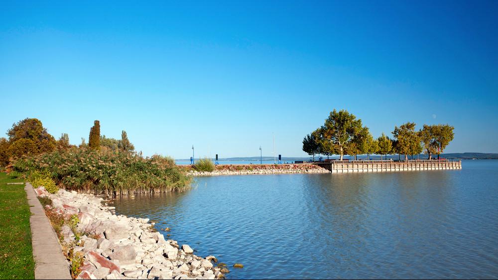 Zöld jelzést kapott: szombaton megtartják a Balaton-átúszást
