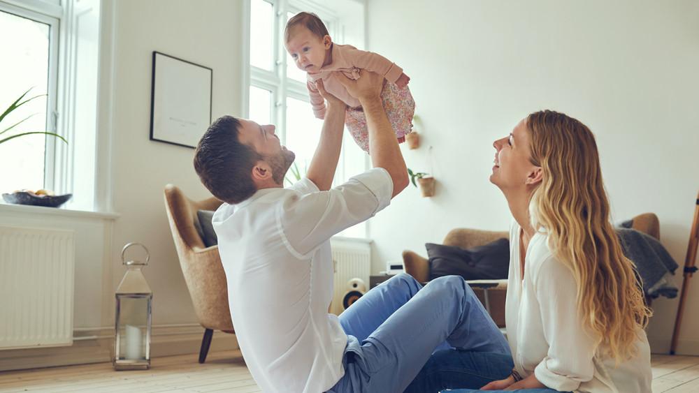 Hamarosan startol a babaváró hitel: ezek a legfontosabb feltételek és a várható buktatók