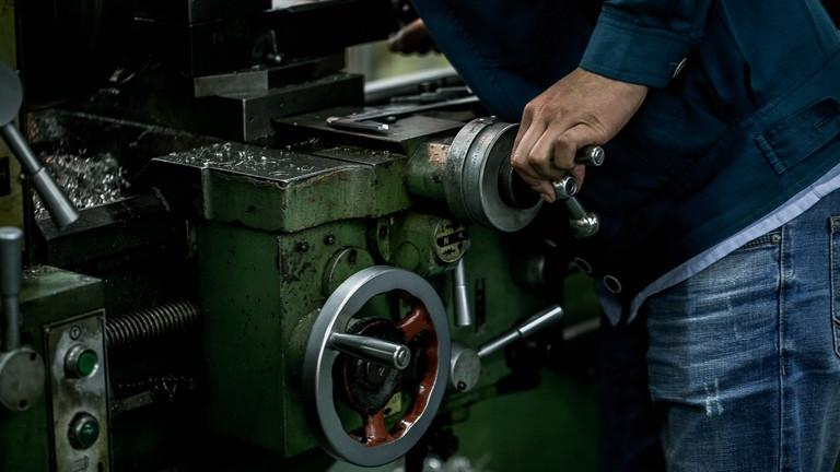 Tömegeket keresnek Dél-Alföldön: szakmunkával is összejöhet a gigafizetés