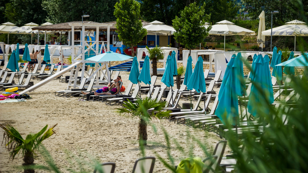Akcióban a NAV és a Nébih: strandokon, fesztiválokon csaphatnak le