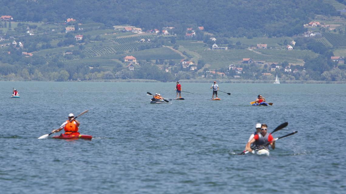 Hamarosan körbeevezheted a Balatont: sorra épülnek a vízitúra pontok