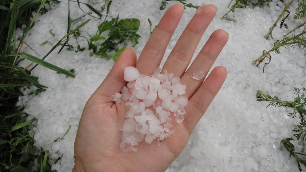 Bokáig érő jég esett az Alföldön: képeken a katasztrófa!