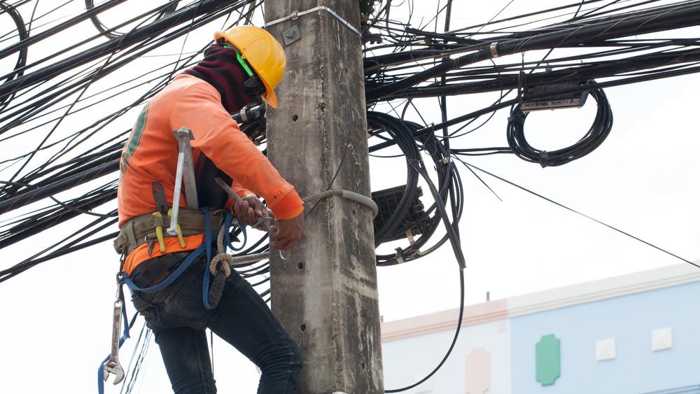Folyamatos az ellenőrzés: akár emberéletet is követelhet az áramlopás