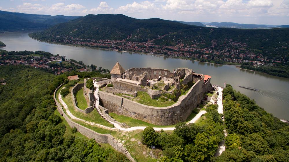 Vonatozz féláron Visegrádra: így juthatsz kedvezményekhez