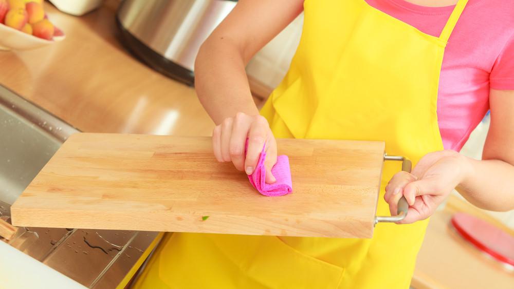 Súlyos veszélyforrás a magyar konyhákban: ezt jobb, ha azonnal fertőtleníted