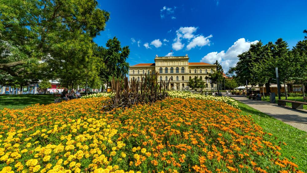 Minden harmadik magyar diplomás, de egyre kevesebben tanulnak tovább