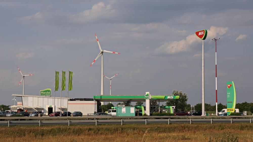 Figyelem, autósok: csökken az üzemanyagok ára szerdától
