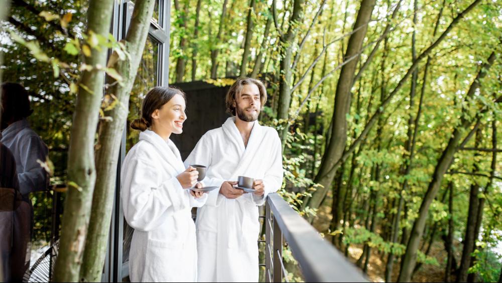 5 luxus erdei kuckó itthon: itt rejtőzz el a hőség, tömeg elől