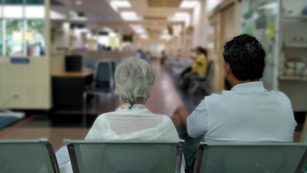 Beütött az orvoshiány: ezekben a kórházakban állhat le a szakrendelés