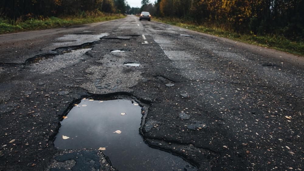 Hivatalosan is kátyubirodalom lettünk: az utak fele rossz  minősítést kapott