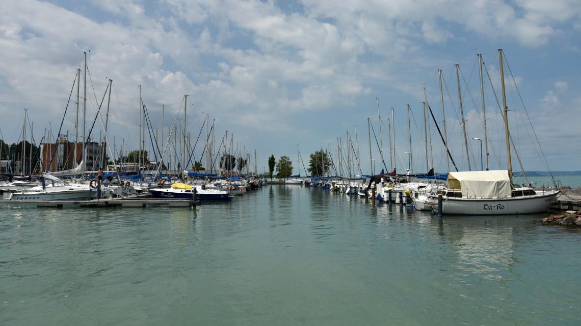 Óriáskikötőt terveznek az Ezüstpartra: a helyiek ellenzik a fejlesztést