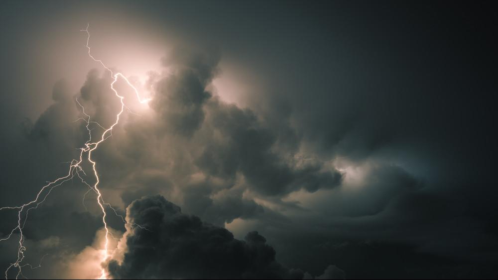 Itt az ítéletidő: brutális vihar vet véget a kánikulának