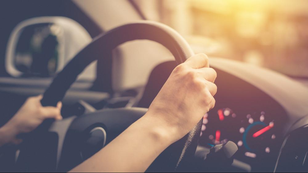 Fájhat a fejük az autósoknak: rakétaként lőtt ki a kötelező biztosítás ára