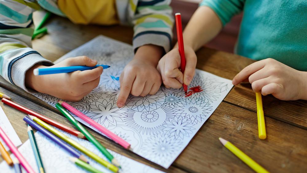 Már 5000 összegyűlt: ceruzagyűjtést szerveztek rászoruló gyerekeknek