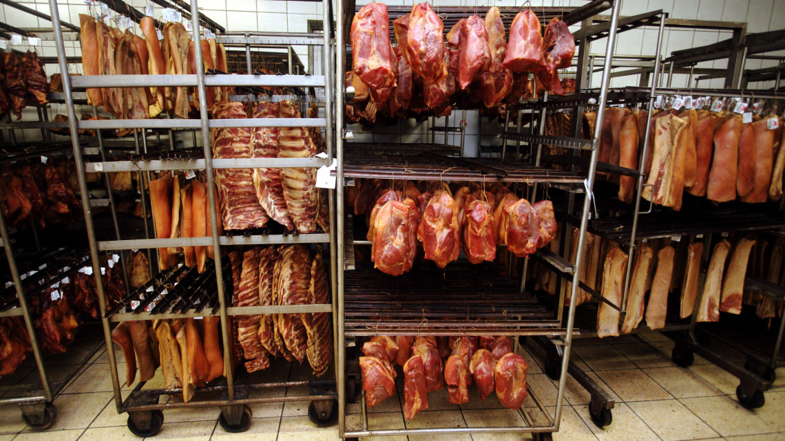 Brutális pénzek a húsiparban: 2 milliárdból fejlesztették az üzemet
