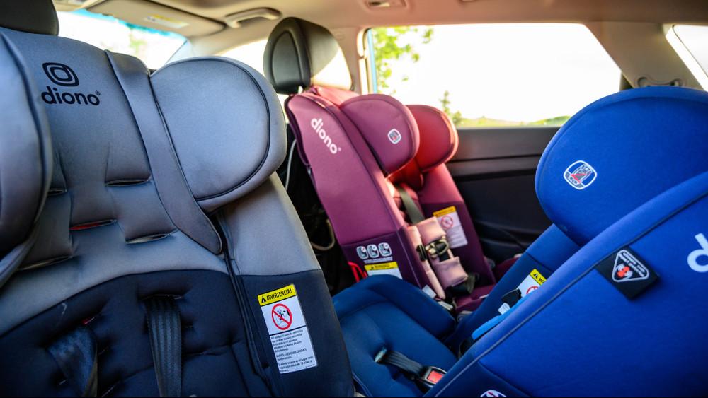 Jó hír a nagycsaládosoknak: mélyrepülésben a 7 személyes használt autók ára
