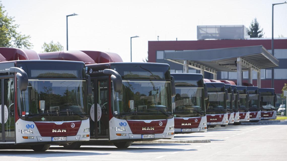 Hatalmas fejlesztés Kaposváron: átadták a autóbuszok új telephelyét
