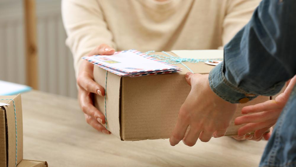 Milliárdos beruházás: így fejleszti a csomagkézbesítést a Magyar Posta