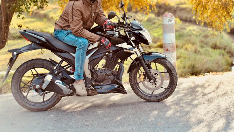 Lekapcsolták a száguldó motorost: több százezer forint a büntetése