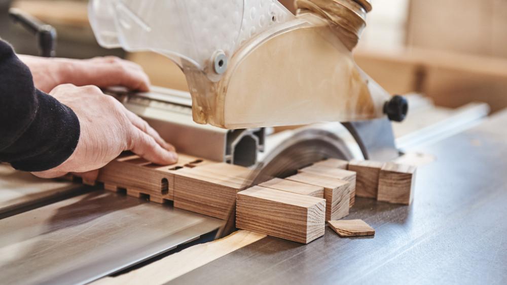 Őrület! Simon Krisztián bútorasztalos megnyerte a szakmák világversenyét