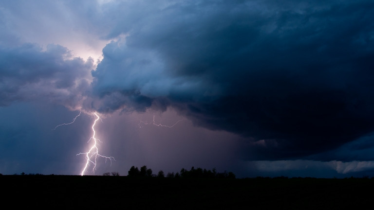 Brutális szélvihar rohanta le Dél-Alföldet: 40 ezren maradtak áram nélkül