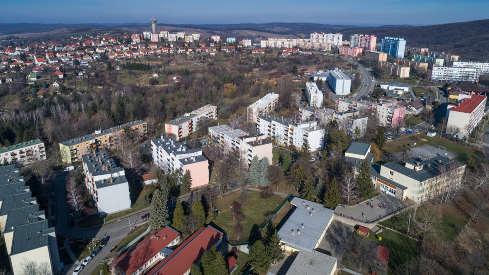 Súlyos hibát találtak a Komlói épületben: ezért ázik be a vásárcsarnok