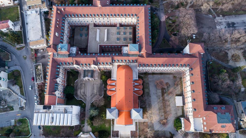 Íme az első magyar egyetem, ahonnan teljesen eltűnnek a PET palackok