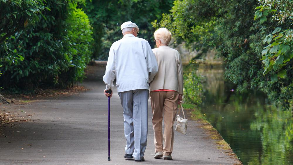 Jó hír a nyugdíjasoknak: az utalványok fele már megérkezett