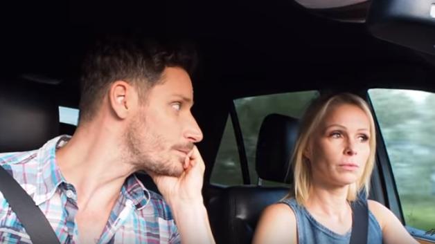 Erre nem számított az ismert vlogger: videón a szellemidézés