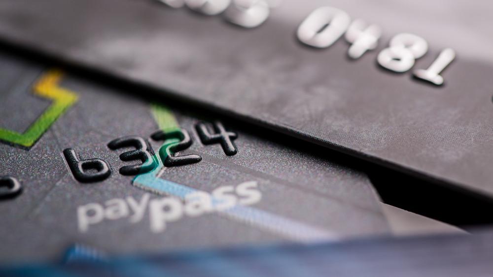 Több tízezer magyar számlája van veszélyben: a bankok rövid határidőt adtak