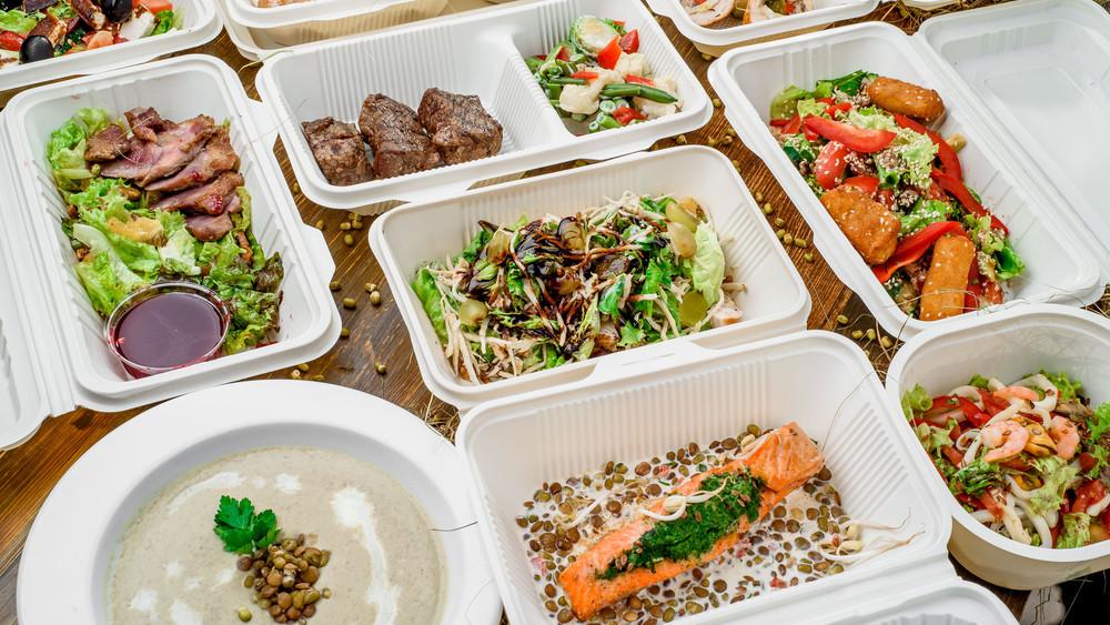 Új ételfutár terjeszkedik Magyarországon: házhoz viszik az egészséget
