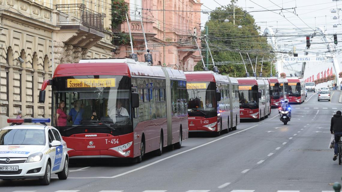 Egyre jobb a tömegközledés Szegeden: 8 új trolibusz áll forgalomba!
