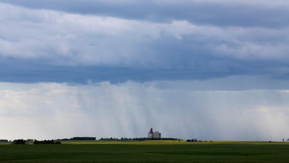 Itt a felhőszakadás és a viharos szél: mutatjuk, honnan támad a következő front