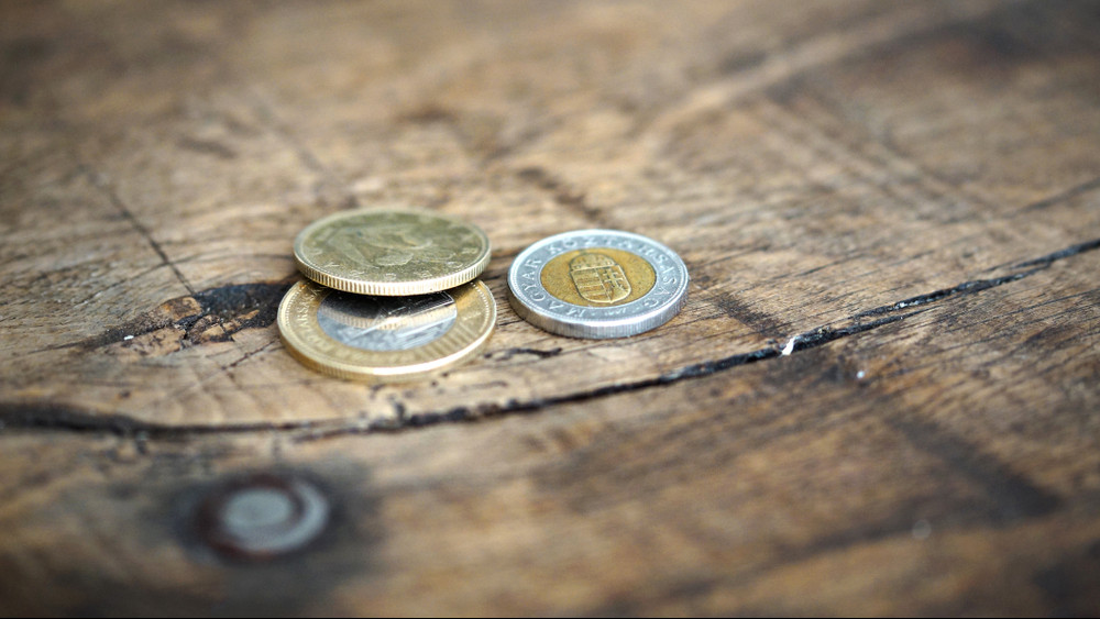 Továbbra is emelkedtek a bérek: ennyi most a magyarok átlagfizetése