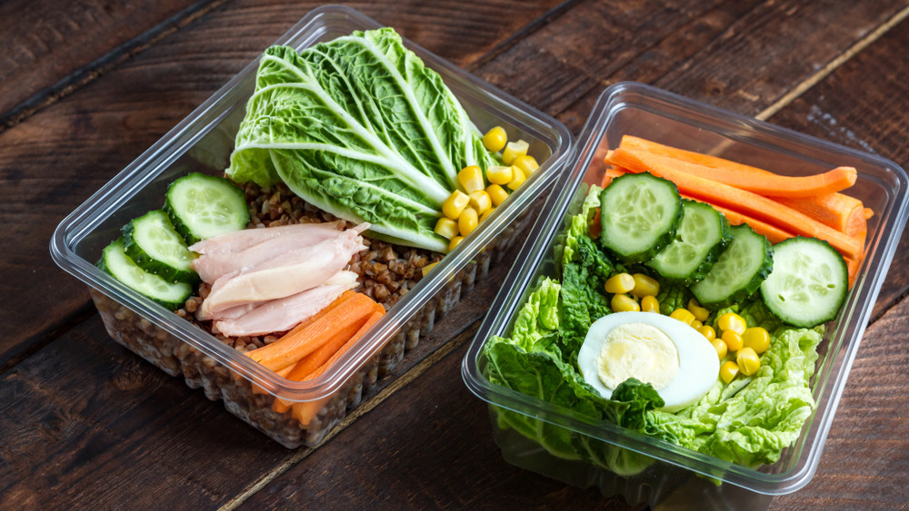 Szuperegészséges ételfutár hódít vidéken: itthon is működik a svéd és dán modell
