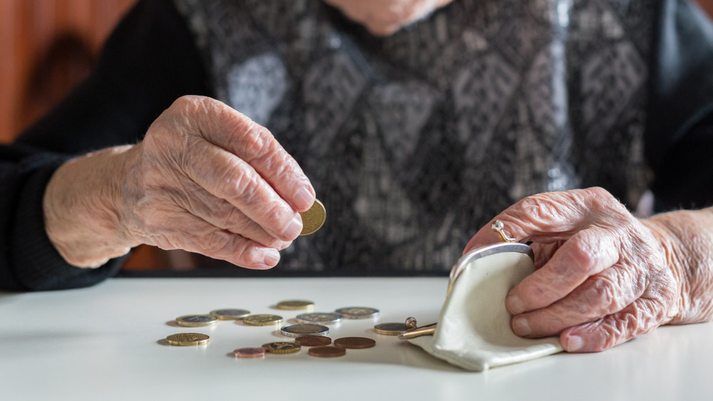 Jön a nyugdíjprémium: kiderült, mennyi pénzt kapnak a nyugdíjasok