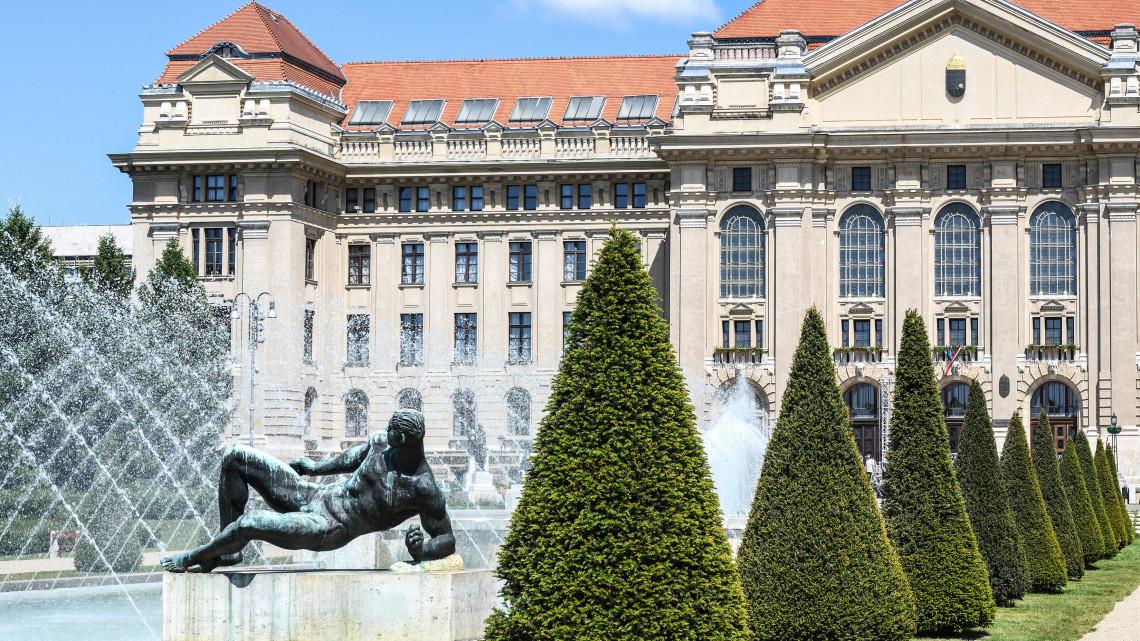 Felfigyelt hazánkra a híres amerikai egyetem: Debrecenben indítanak kutatási programot